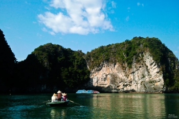 Cruise discovery of Halong Bay & Red River