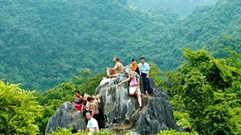 Explore CatBa island