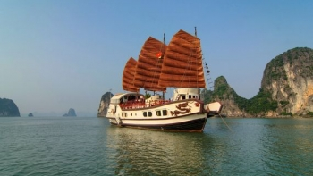 Discovery Halong on boat Indochina Junk