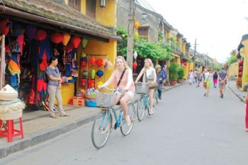 Biking adventure along Vietnam